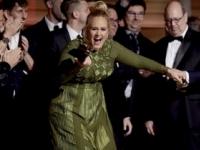 Adele ovládla udeľovanie cien Grammy, piesňou roka je Hello